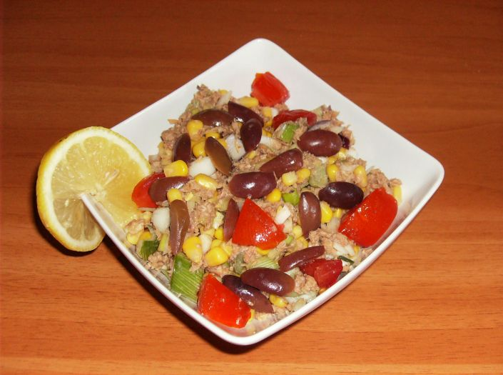 Salata e ton cu rosii 014