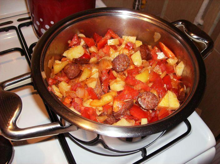 Ghiveci cu carnati in oala Zepter 032