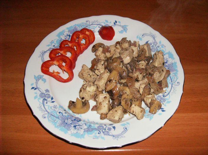 Mancare de pui cu ciuperci 020