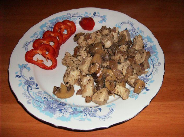 Mancare de pui cu ciuperci 024