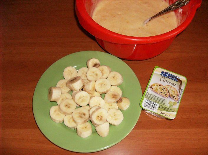 prajitura cu banane 015